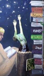 Sternengreifer und Suchende – Kunstwerke der Q11 für den Pausenhof