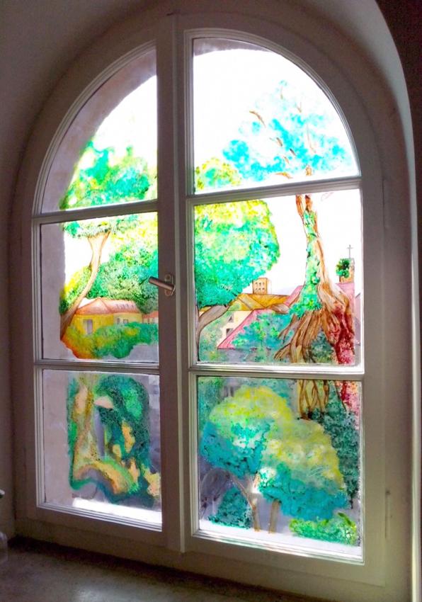 Fenster im 3. OG Ost - Arbeit des Kunstseminars Q12 (2016