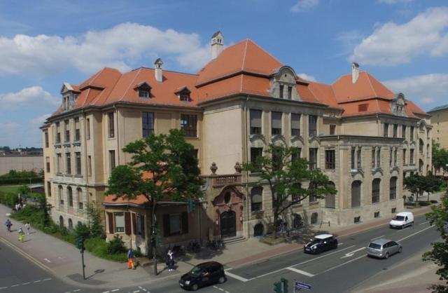CEG - Westseite