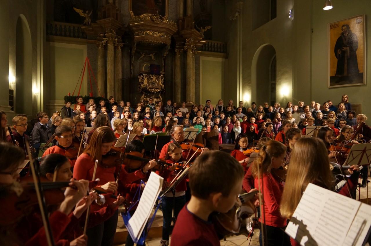 Adventskonzert (Ensembles der 5. – 8. Klassen – Dezember 2016)
