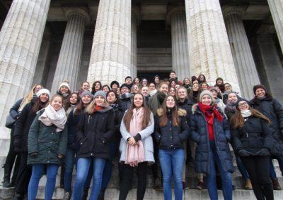 Ausflug der römischen Gäste und ihrer deutschen Partner zur Walhalla
