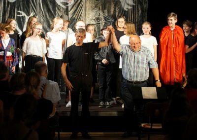 Geisterstunde auf Schloss Eulenstein (6. Klass-Chor - Juli 2019)