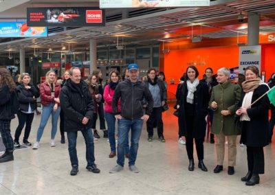 Empfang der Gäste aus Rom am Flughafen