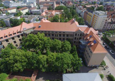 CEG - Altbau und Pausenhof